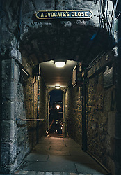Night view of entrance to Advocate's Close on the Royal Mile in Edinburgh, Scotland, UK