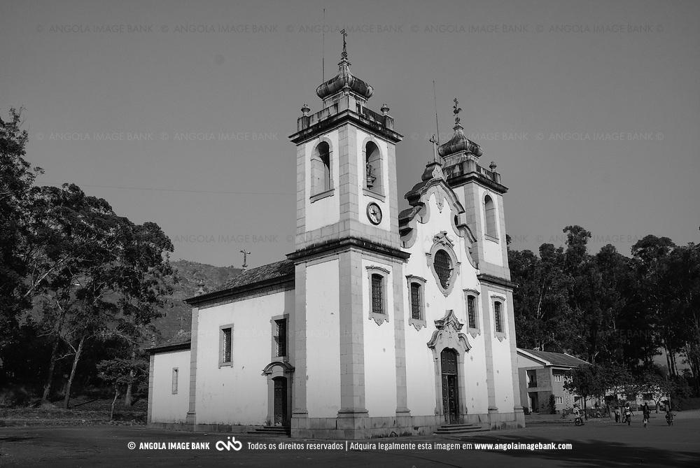 Igreja da Nossa Senhora da Assunção, cidade de Waku Kungo, Província do Kwanza sul, Angola. 2007