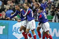 Joie Thierry HENRY (passeur) apres but de David TREZEGUET - 10.02.2005 - France / Suede - match amical Stade de France