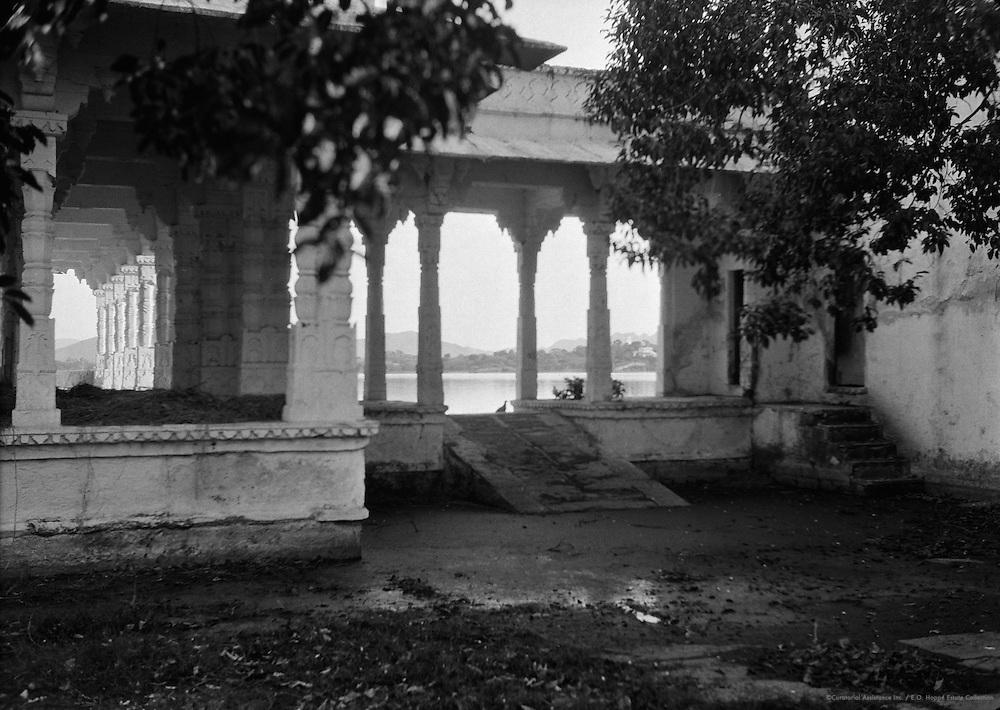 Pichola Lake, Old Court Yard, Jagmandir Palace, Udaipur, India, 1929
