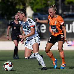 BRISBANE, AUSTRALIA - JANUARY 1: Christine Nairn of the Victory dribbles the ball during the round 10 Westfield W-League match between the Brisbane Roar and Melbourne Victory at AJ Kelly Park on January 1, 2017 in Brisbane, Australia. (Photo by Patrick Kearney/Brisbane Roar)