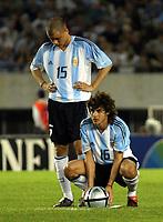 Fotball<br /> VM-kvalifisering Sør Amerika<br /> Argentina v Equador<br /> 30. mars 2004<br /> Buenos Aires<br /> Foto: Digitalsport<br /> Norway Only<br /> <br /> ANDRES D'ALESSANDRO, PABLO AIMAR(ARGENTINA)