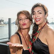 NLD/Amsterdam/20160915 - Presentatie Manuale's Hot Sauces van Manuela Kemp, Suzanne en Monique Klemann van Lois Lane
