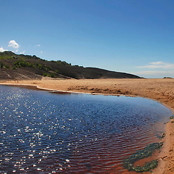 """Lagoa de Caraís (Paisagem) fotografado em Guarapari, Espírito Santo -  Sudeste do Brasil. Bioma Mata Atlântica. Registro feito em 2007.<br /> <br /> ENGLISH: Lagoon of Caraís photographed in Guarapari, Espírito Santo - Southeast of Brazil. Atlantic Forest Biome. Picture made in 2007."""