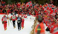 Langrenn<br /> VM nordiske grener - Trondheim - februar 1997<br /> Foto: imago/Digitalsport<br /> NORWAY ONLY<br /> <br /> Die siegreiche norwegische Staffel über 4 x 10 km auf der Ehrenrunde: Sture Sivertsen -  Erling Jevne - Thomas Alsgaard - Bjørn Dæhlie - Norge