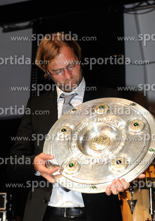 14.05.2011, U-Haus, Dortmund, GER, 1.FBL, Borussia Dortmund Meisterbankett im Bild Trainer Jürgen KLOPP,  mit Meisterschale, //   German 1.Liga Football ,  Borussia Dortmund Championscelebration, Dortmund, 14/05/2011 . EXPA Pictures © 2011, PhotoCredit: EXPA/ nph/  Conny Kurth       ****** out of GER / SWE / CRO  / BEL ******