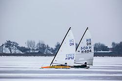 Nederlands Kampioenschap DN IJszeilen. Winnaar Piet Hopma Zijlema. Tjeukemeer, Friesland,  26 januari  2013