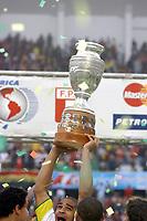 25/07/04 - LIMA - PERU -  COPA AMERICA PERU 2004 -  BRASIL - BRAZIL (5) win by penalty  over ARGENTINA (3) - BRAZIL CHAMPION CELEBRATION.<br />Brazilian Player N*7 ADRIANO with the CUP.<br />©G.P./Argenpress.com