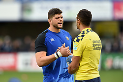 Mike Williams of Bath Rugby and Peter Betham of Clermont Auvergne have a chat during the pre-match warm-up - Mandatory byline: Patrick Khachfe/JMP - 07966 386802 - 15/12/2019 - RUGBY UNION - Stade Marcel-Michelin - Clermont-Ferrand, France - Clermont Auvergne v Bath Rugby - Heineken Champions Cup
