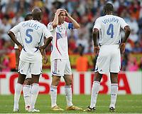 v.l. William Gallas, Zinedine Zidane, Patrick Vieira Frankreich<br /> Fussball WM 2006 Achtelfinale Spanien - Frankreich<br /> Spania - Frankrike<br /> Norway only
