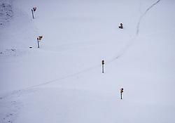 THEMENBILD - Schneekanonen auf leicht angeschneiten Pisten. Die Vorbereitungen für die neue Skisaison laufen auf Hochtouren, aufgenommen am 12. November 2019, Saalbach Hinterglemm, Österreich // Snow cannons on slightly snowed slopes. Preparations for the new ski season are in full swing on 2019/11/12, Saalbach Hinterglemm, Austria. EXPA Pictures © 2019, PhotoCredit: EXPA/ Stefanie Oberhauser