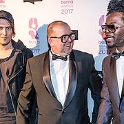 NLD/Hilversum//20170306 - uitreiking Buma Awards 2017, Kenny B. en de zanger van Kensington