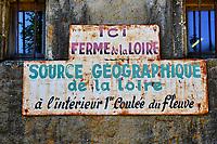 France, Ardèche (07), parc naturel régional des Monts d'Ardèche, Massif du Mézenc, le Mont Gerbier-de-Jonc (1551 m), les sources de la Loire // France, Ardeche (07), regional natural park of Monts d'Ardèche, Mont Gerbier-de-Jonc (1551 m), the sources of the Loire river
