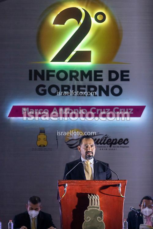 07 de diciembre del 2020. Tultepec, Estado de México. El presidente municipal de Tultepec, Marco Antonio Cruz Cruz, da el segundo informe de gobierno en el auditorio de esta localidad.