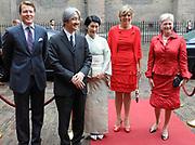 De Japanse prins Akishino , prinses Kiko Prins Constantijn en Prinses Laurentien komen aan op het binnenhof Op de foto<br /> <br /> prins Akishino, prinses Kiko , Prins Constantijn , Prinses Laurentien en Maria van der Hoeven