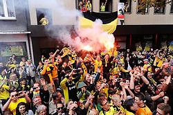 15.05.2011, City, Dortmund, GER, 1.FBL, Borussia Dortmund Autocorso Deutscher Meiser 2011, im Bild  BVB Fans am BORSIGPLATZ//   German 1.Liga Football ,  Borussia Dortmund , Dortmund, 15/05/2011 . EXPA Pictures © 2011, PhotoCredit: EXPA/ nph/  Conny Kurth       ****** out of GER / SWE / CRO  / BEL ******