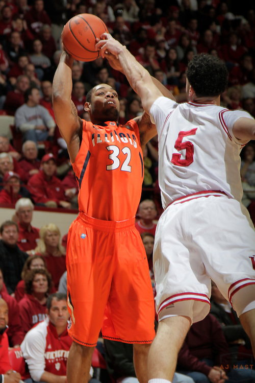 27 January 2011: Illinois Fighting Illini guard Demetri McCamey (32) as the Indiana Hoosiers played the Illinois Fighting Illini in a college basketball game in Bloomington, Ind.