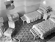26/07/1958<br /> 07/26/1958<br /> 26 July 1958<br /> View of a bedroom in Hotel Pierre, Dun Laoghaire for  Domas.