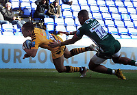 Rugby Union - 2019 / 2020 Gallagher Premiership - London Irish vs. Wasps<br /> <br /> Marcus Watson of Wasps dives over to score his second half try, at Madejski Stadium.<br /> <br /> COLORSPORT/ANDREW COWIE