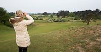 ZANDVOORT - Birdwatching - Vogelteldag   op de Kennemer Golf & Country Club. Een natuurvriendelijk en milieubewust beheerd golfterrein biedt voor de golfer een interessante en uitdagende omgeving en bevordert de beeldvorming van de golfsport als een 'groene' sport.  Het beleid kent drie programma's: Committed to Green, Golfers love Birdies en Green Deal. COPYRIGHT KOEN SUYK