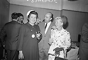 15/07/1967<br /> 07/15/1967<br /> 15 July 1967<br /> Hennessy Handicap at Leopardstown Races, Leopardstown Racecourse, Co. Dublin. Pictured are (l-r): Mrs William Campbell, wife of Director of Edward Dillon and Co. Ltd.; Comte Gearld de Geoffrey, Director, Jas Hennessy and Co. Ltd. and Mrs Nigel Beamish, wife of Managing Director of Edward Dillon and Co. Ltd. at the races in Dublin.