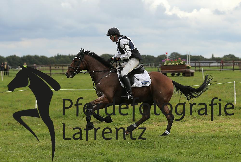 Dibowski, Andreas, It´s Me xx<br /> Schenefeld DM Vielseitigkeit 2013<br /> © www.sportfotos-lafrentz.de / Stefan Lafrentz