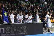 Esultanza panchina Cantù, Red October Cantù vs Openjobmetis Varese - 18 giornata Campionato LBA 2017/2018, PalaDesio Desio 05 febbraio 2018 - foto Bertani/Ciamillo