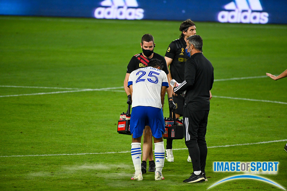 San Jose Earthquakes forward Andres Rios (25) stands up after being tended to by Earthquakes medical staff during a MLS soccer game, Sunday, Sept. 27, 2020, in Los Angeles. The San Jose Earthquakes defeated LAFC 2-1.(Dylan Stewart/Image of Sport)