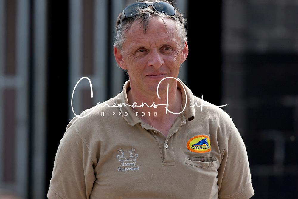 Breeding manager Guido Gielen<br /> Fokkerij Ludo Philippaerts<br /> Bocholt 2011<br /> © Dirk Caremans