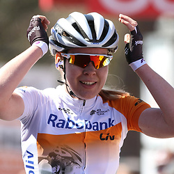20-04-2016: Wielrennen: Waalse Pijl vrouwen: Huy    <br />HUY (BEL) cycling    <br />The Fleche Wallomne is the last springrace in the Womens Worldtour.  Anna van der Breggen wins for the second year on a row the race