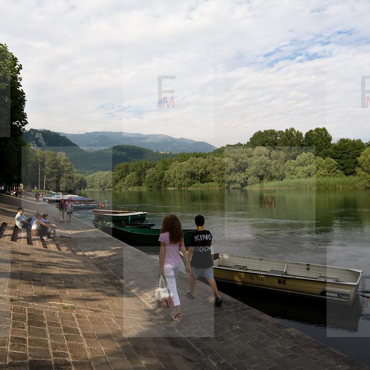 L'argine dell'Adda a Brivio....Riverbank of the Adda river in Brivio