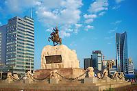 Mongolie, Oulan Bator, Place Sukhbaatar, statue de Sukhbaatar. // Mongolia, Ulan Bator, Sukhbaatar square, Sukhbaatar statue