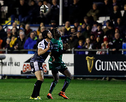 Dan Evans of Ospreys and Niyi Adeolokun of Connacht watch the ball<br /> <br /> Photographer Simon King/Replay Images<br /> <br /> Guinness PRO14 Round 7 - Ospreys v Connacht - Friday 26th October 2018 - The Brewery Field - Bridgend<br /> <br /> World Copyright © Replay Images . All rights reserved. info@replayimages.co.uk - http://replayimages.co.uk