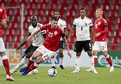 Pierre Emile Højbjerg (Danmark) følges af Romelu Lukaku (Belgien) under UEFA Nations League kampen mellem Danmark og Belgien den 5. september 2020 i Parken, København (Foto: Claus Birch).