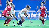 BOOM -  Kiki  Collot D'Escury aan de bal tijdens de halve finale van het EK hockey tussen de vrouwen van Nederland en Engeland. ANP KOEN SUYK