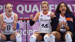04-01-2016 TUR: European Olympic Qualification Tournament Nederland - Duitsland, Ankara <br /> De Nederlandse volleybalvrouwen hebben de eerste wedstrijd van het olympisch kwalificatietoernooi in Ankara niet kunnen winnen. Duitsland was met 3-2 te sterk (28-26, 22-25, 22-25, 25-20, 11-15) / Judith Pietersen #8, Laura Dijkema #14, Celeste Plak #4