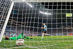 Pará comemora seu gol na vitória sobre a LDU - Liga de Quito do Equador durante partida da Copa Libertadores da América 2013, na Arena do Grêmio, em Porto Alegre. FOTO: Jefferson Bernardes/Preview.com