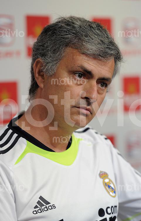 FUSSBALL  INTERNATIONAL  Copa del Rey FINALE  2010/2011   19.04.2011 Real Madrid ; Pressekonferenz Trainer Jose Mourinho