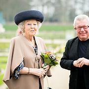 NLD/Apeldoorn/20190402 - Beatrix opent tentoonstelling The Garden of Earthly Worries , Prinses Beatrix en Daniel Libeskind