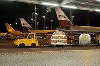 28 MAY 2009, LEIPZIG/GERMANY:<br /> Warehouse Deutsche Post DHL Hub Leipzig, Umschlagplatz fuer Luftfracht, Paketverteilzentrum, Briefverteilzentrum, Luftfrachtdrehkreuz<br /> IMAGE: 20090528-15-021
