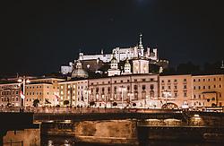 THEMENBILD - die Staatsbrücke, die Altstadt und die Festung Hohensalzburg, aufgenommen am 19. September 2018 in Salzburg, Österreich // the state bridge, the old town and the fortress Hohensalzburg, Salzburg, Austria on 2018/09/19. EXPA Pictures © 2018, PhotoCredit: EXPA/ JFK