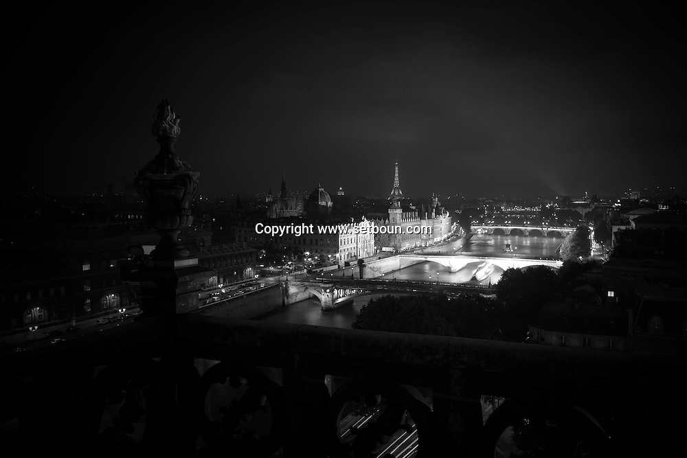 France. Paris. Elevated view. Seine river, and  bridges. view  from The hotel de ville bell tower