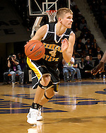Kennesaw State guard Zach Berry drives against Kansas State in the first half at Bramlage Coliseum in Manhattan, Kansas, December 17, 2006.  K-State beat Kennesaw State 82-54.<br />