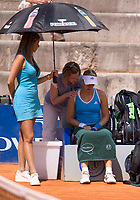 20090507: ESTORIL, PORTUGAL - Estoril Tennis Open 2009 - Women's singles. In picture: Sabine Lisicki (GER) injured. PHOTO: Carlos Rodrigues/CITYFILES