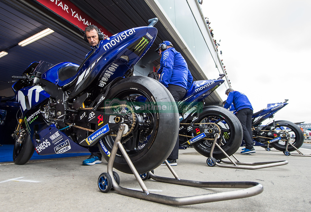 October 26, 2018 - Melbourne, Victoria, Australia - A mechanic warms up the bike belonging to Spanish rider Maverick Viñales (#25) of Movistar Yamaha MotoGP during day 2 of the 2018 Australian MotoGP held at Phillip Island, Australia. (Credit Image: © Theo Karanikos/ZUMA Wire)