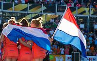 LONDEN - Eva de Goede (Ned) ,  Carlien Dirkse van den Heuvel (Ned) en Margot Van Geffen (Ned)  na het winnen van  de finale Nederland-Ierland (6-0) bij  wereldkampioenschap hockey voor vrouwen. COPYRIGHT KOEN SUYK