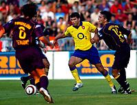 ◊Copyright:<br />GEPA pictures<br />◊Photographer:<br />Andreas Troester<br />◊Name:<br />Teinovic<br />◊Rubric:<br />Sport<br />◊Type:<br />Fussball<br />◊Event:<br />Testspiel, NK Maribor vs Arsenal London<br />◊Site:<br />Maribor, Slowenien<br />◊Date:<br />22/07/04<br />◊Description:<br />Dalibor Teinovic (NKM), Jose Reyes (Arsenal), Damjan Oslaj (NKM)<br />◊Archive:<br />DCSTR-2207041812<br />◊RegDate:<br />23.07.2004<br />◊Note:<br />8 MB - SU/SU