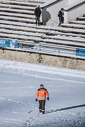 31.12.2020, Olympiaschanze, Garmisch Partenkirchen, GER, FIS Weltcup Skisprung, Vierschanzentournee, Garmisch Partenkirchen, Qualifikation, Herren, im Bild Rettungssanitäter // Paramedic during qualification jump of men's Four Hills Tournament of FIS Ski Jumping World Cup at the Olympiaschanze in Garmisch Partenkirchen, Germany on 2020/12/31. EXPA Pictures © 2020, PhotoCredit: EXPA/ JFK