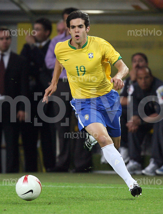 Fussball  International  Saison 2007/2008 KAKA (Brasilien), Einzelaktion am Ball