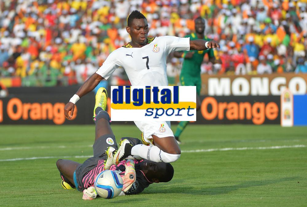 Christian Atsu Twasam (GHA) vs Bouna Coundoul (SEN)